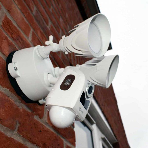 EZVIZ LC1 HD Smart Wifi Security Light and CCTV Camera including installation 2